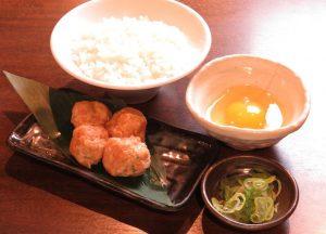 中野の居酒屋「とりいちず」で〆まで美味しいこだわりの水炊きを堪能!